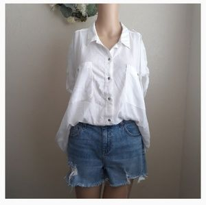 CALVIN KLEIN BUTTON UP BLOUSE